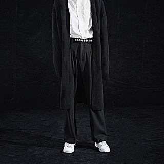 TWO PLEATED WIDE PANTS [BLACK]