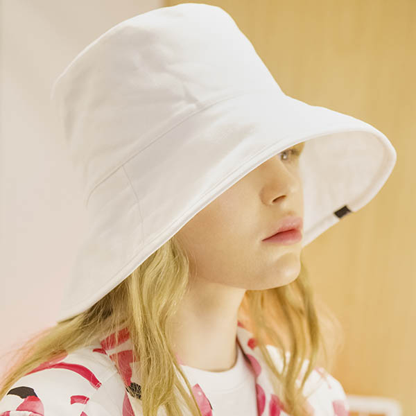 [배우박하선_반소영]UNISEX OVER BUCKET HAT[WHITE]