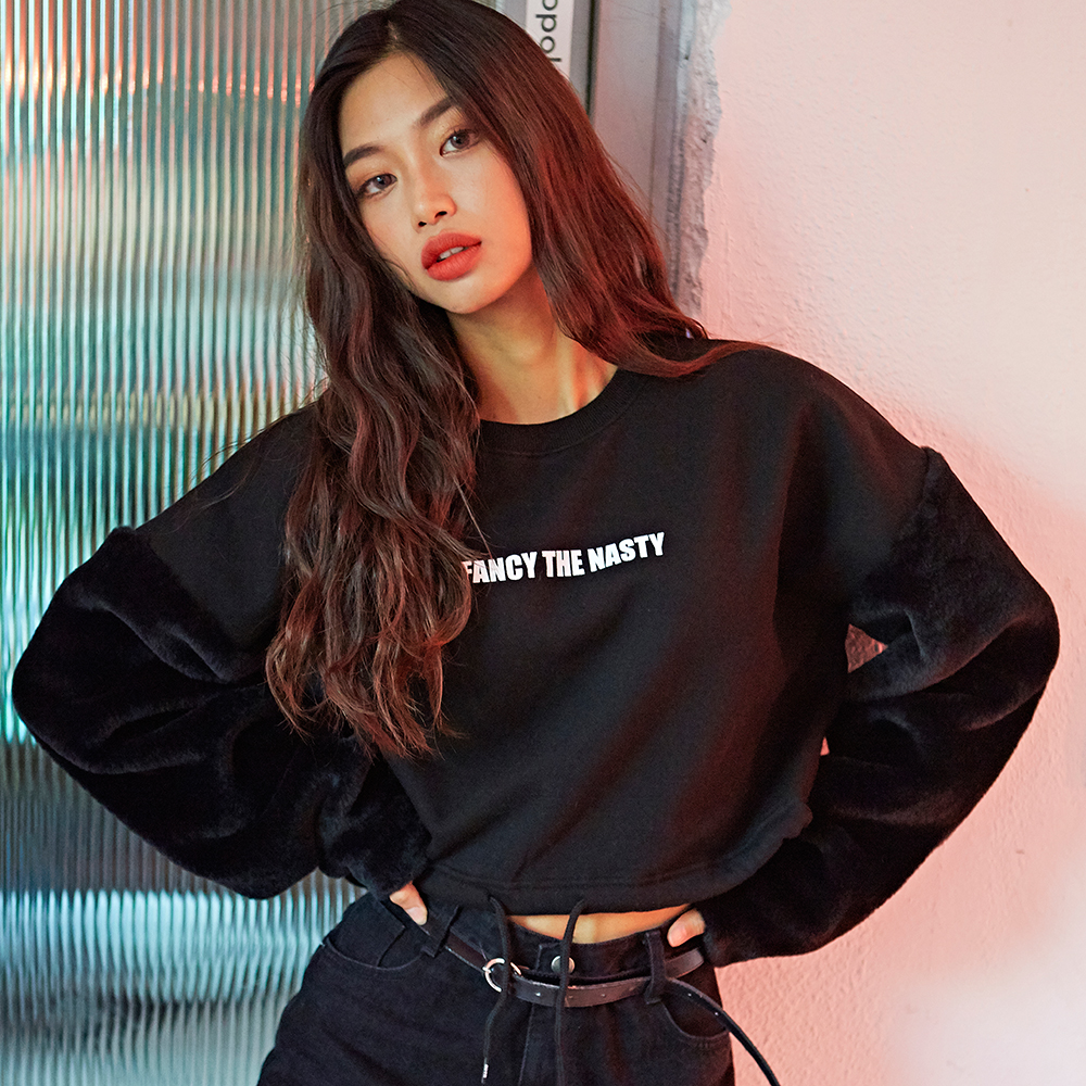 [NSTK] NSTK FUR ARM CROP SWEATSHIRTS (BLK)
