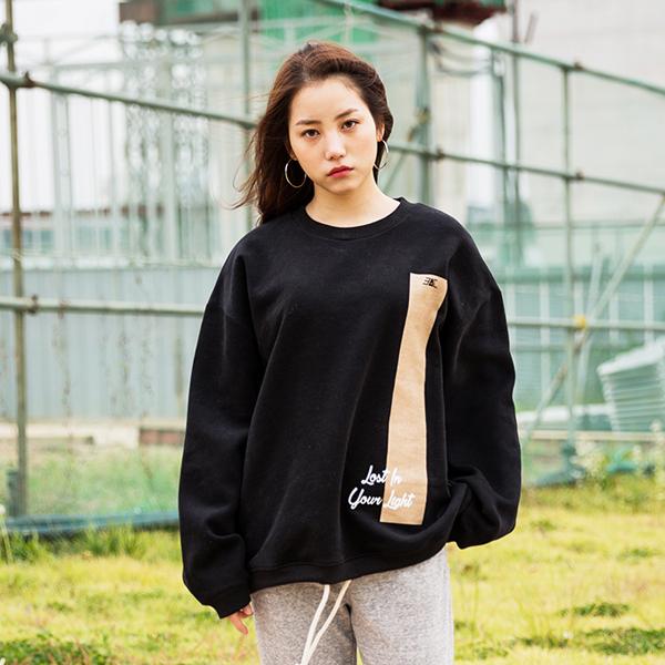 [양기모_남녀공용] 오버핏 세로라인 로프 맨투맨 (블랙)