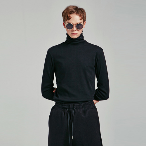 SLIM SIMPLE TURTLENECK T_BLACK