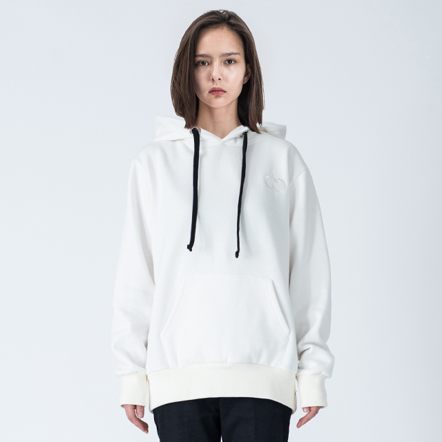 WOMENs ESSENTIAL HOODIE (OFF WHITE)