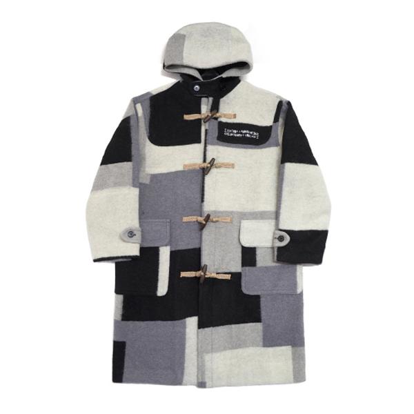 [아임낫어휴먼비잉] patch work duffle coat achromatic color