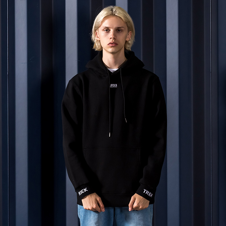 SMALL LOGO PULLOVER HOODIE-BLACK