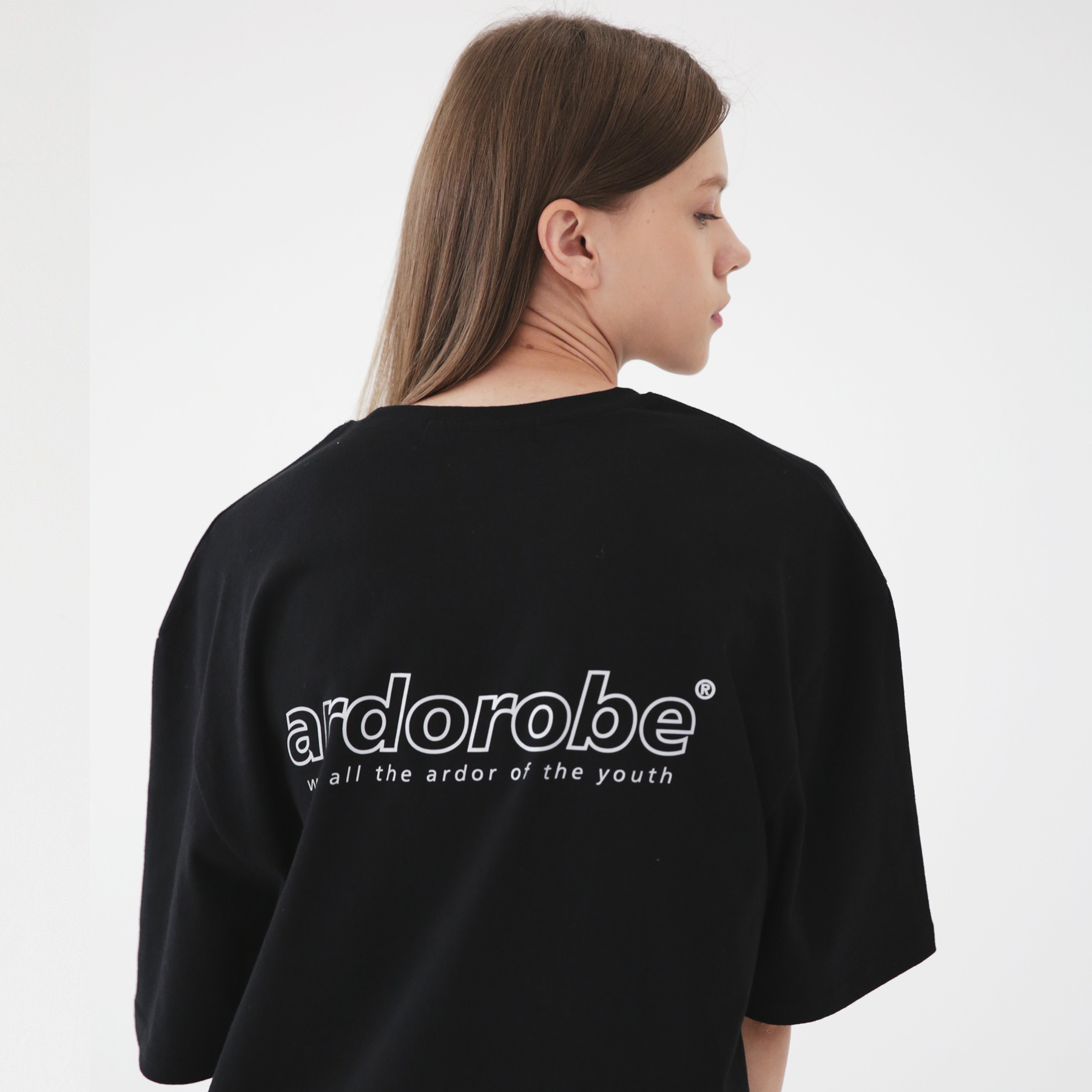 아더로브 로고 스카치 오버핏 반팔티 ATS182201-BK
