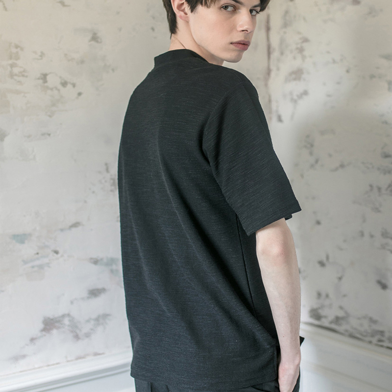 슬라브 하프 하이넥 티셔츠 [BLACK]