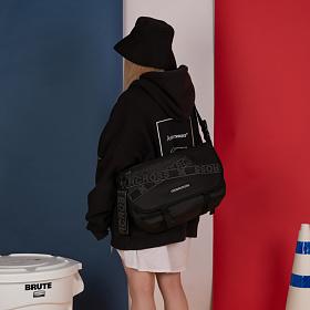04e114a99f9 [UNDERCROSS]노바 메신저백 테이프 모노블랙 (NOBA MESSENGER BAG TAPE MONO BLACK) -  UNDERCROSS - 크루비