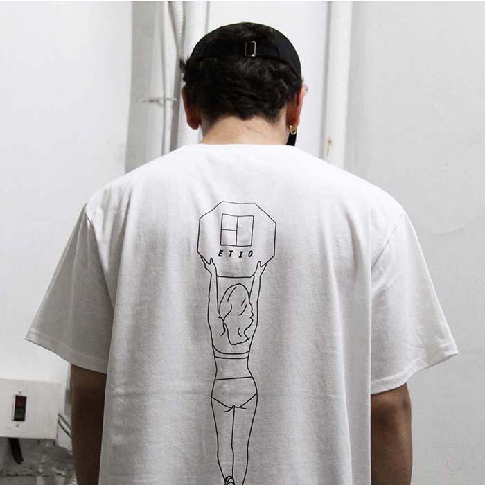 화이트 에티오걸 프린트 티셔츠
