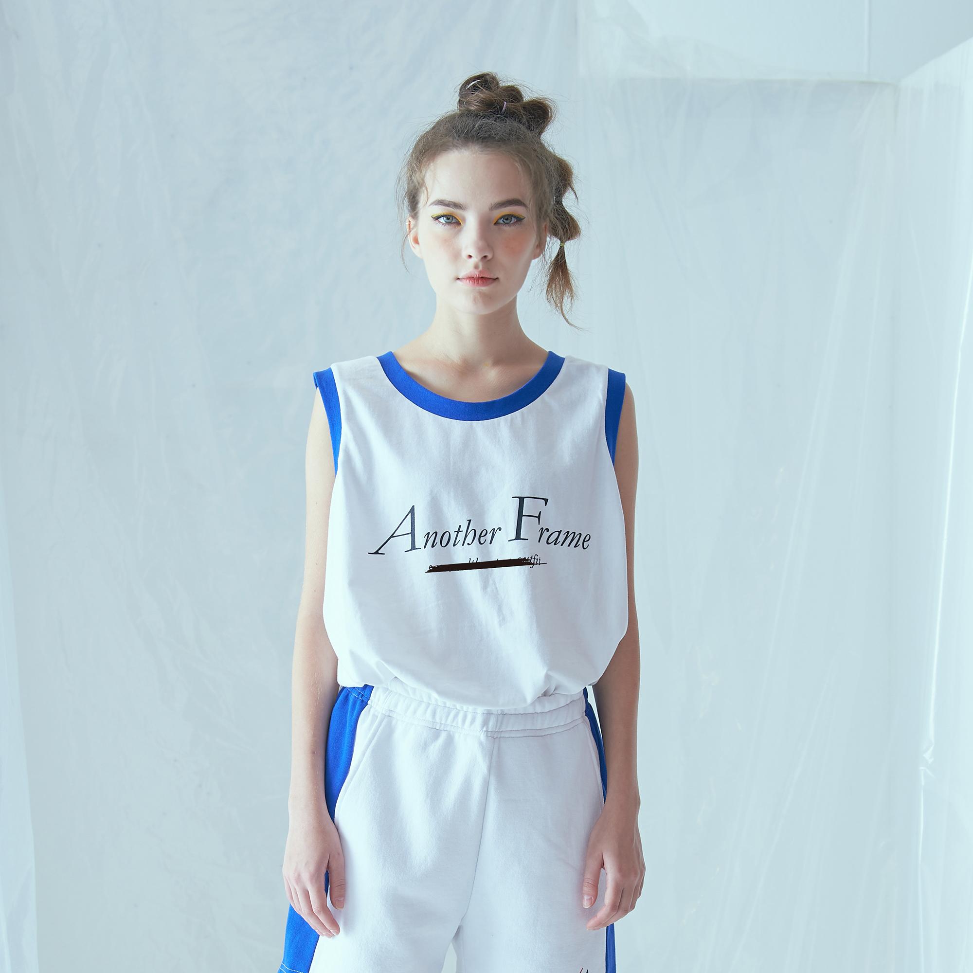 [어나더프레임] BASIC LOGO POCKET SLEEVELESS (WHITE) 나시 나시티 티셔츠