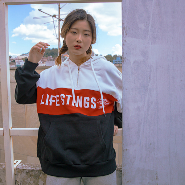 LIFE STINGS 후드 집업 white+red+black