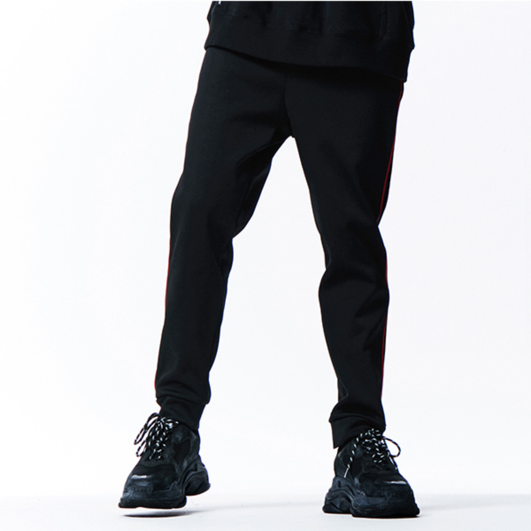 [042]RED LINE BLACK JOGGER PANTS(BLACK)