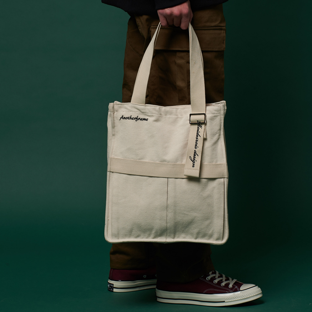 [어나더프레임X로아드로아] AH CHOO SHOULDER BAG (IVORY) 숄더백 토트백 가방