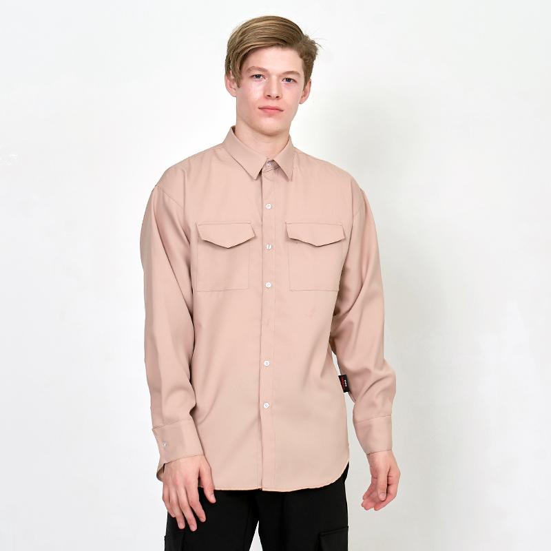 [UNISEX] 오버핏 더블 포켓 베이직 레옹아트워크 셔츠 베이지