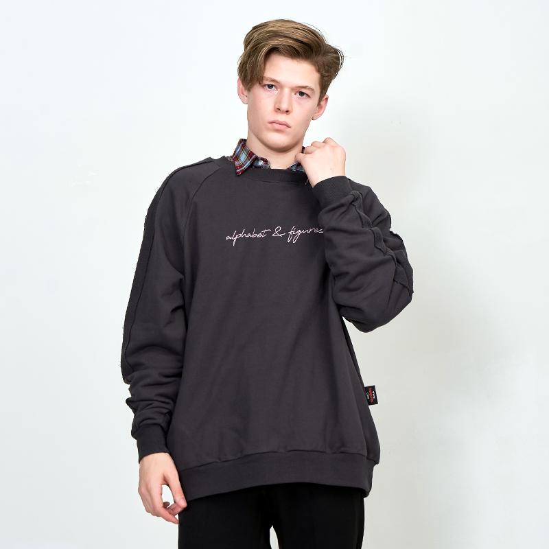 [UNISEX] 오버핏 레글런 배색 우라까이 절개 맨투맨 (스웨트 셔츠) 챠콜