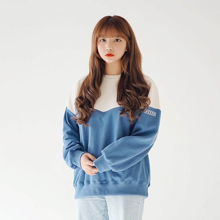[가까이] 브이 배색맨투맨 아이보리/블루