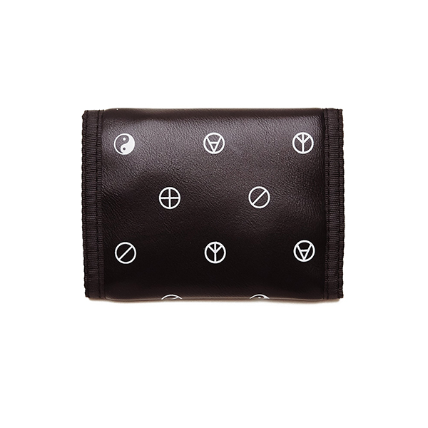 오베이 지갑 GENTRY SYMBOL TRI-FOLD WALLET 100310107 BLACK