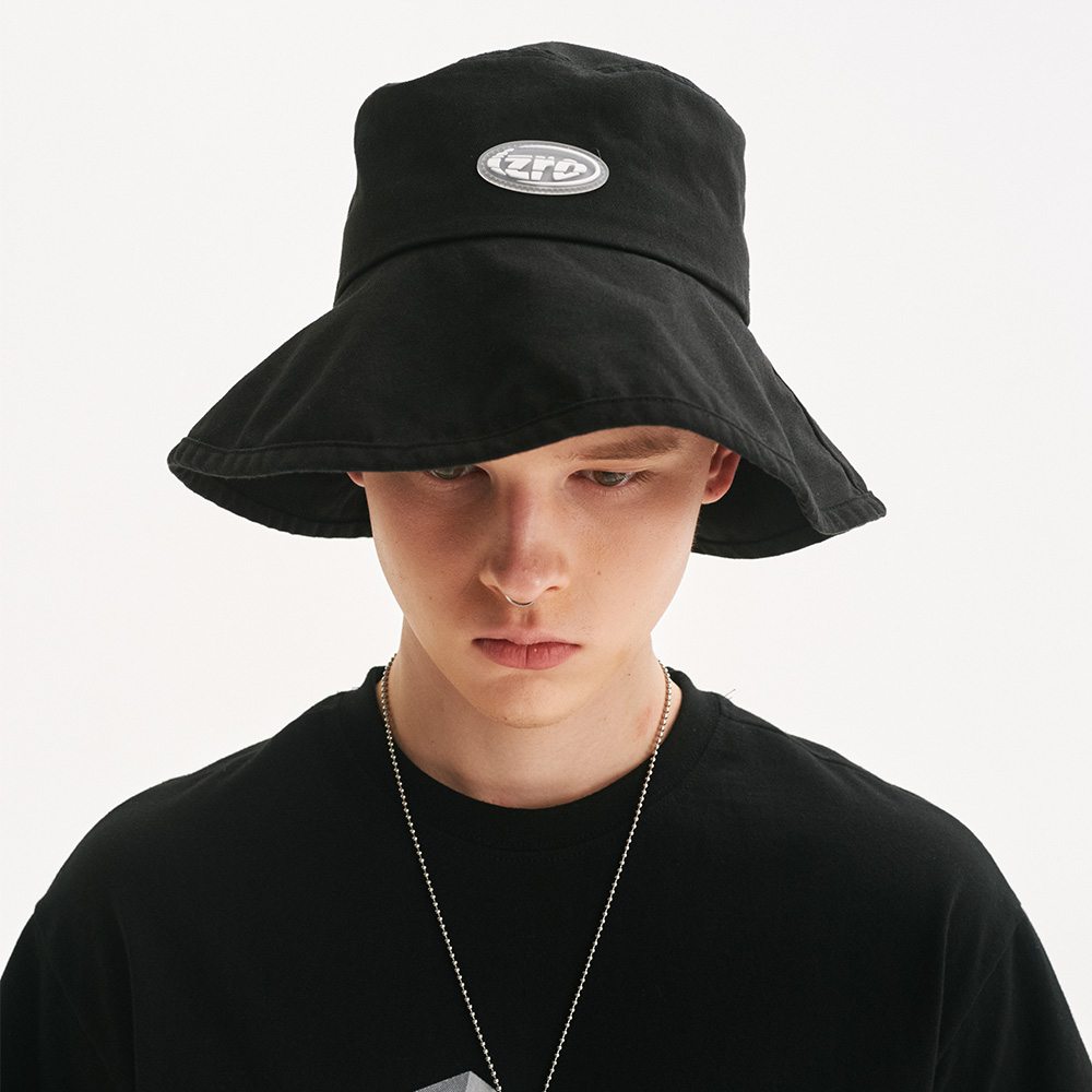 IZRO BLACK BUCKET HAT