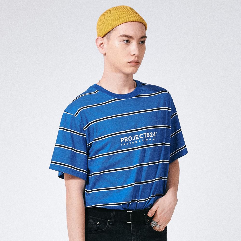 (UNISEX) 인터내셔날 스트라이프 로고 티셔츠 블루네이비