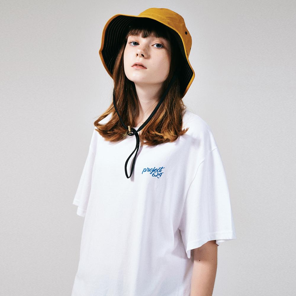 (UNISEX) 스탠다드 자수 로고 티셔츠 화이트