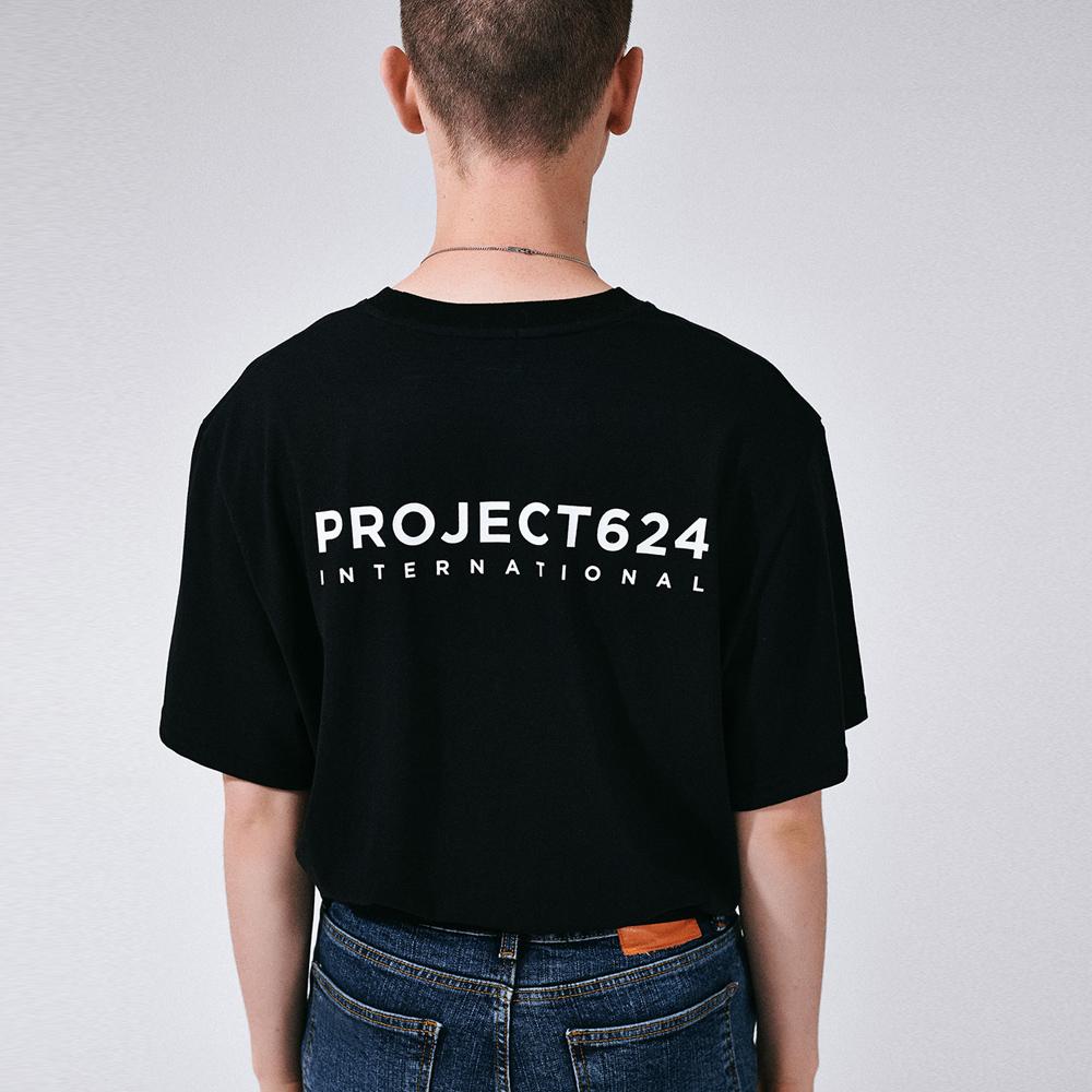 (UNISEX) 인터내셔날 빅로고 티셔츠 블랙