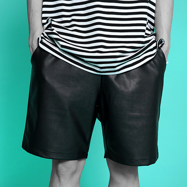 ROCKPSYCHO Summer Fake Reather Short Pant- 락사이코 인조피유 숏팬츠!
