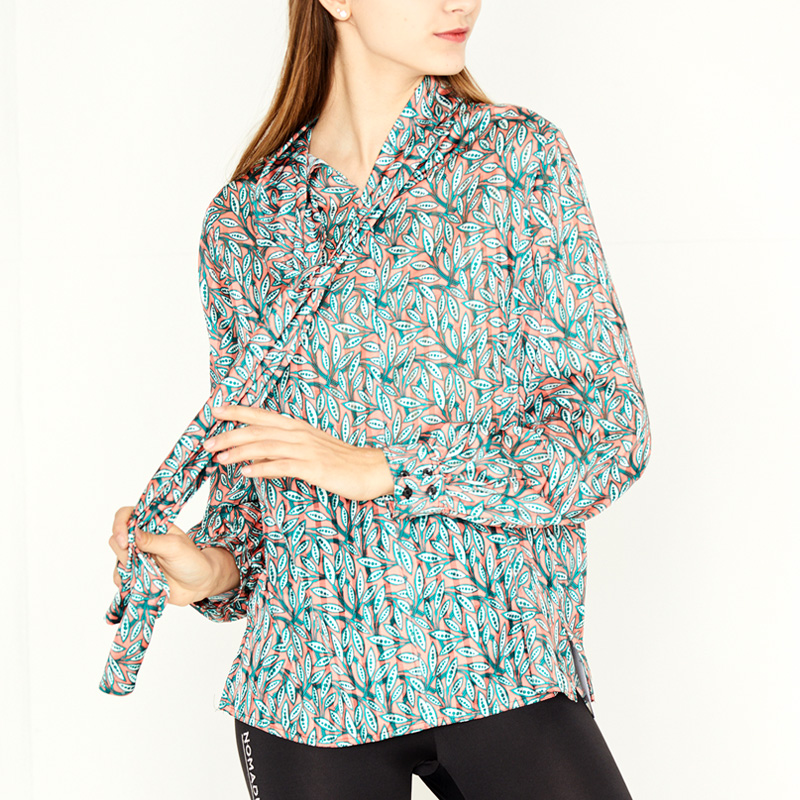 SCARF BLOUSE