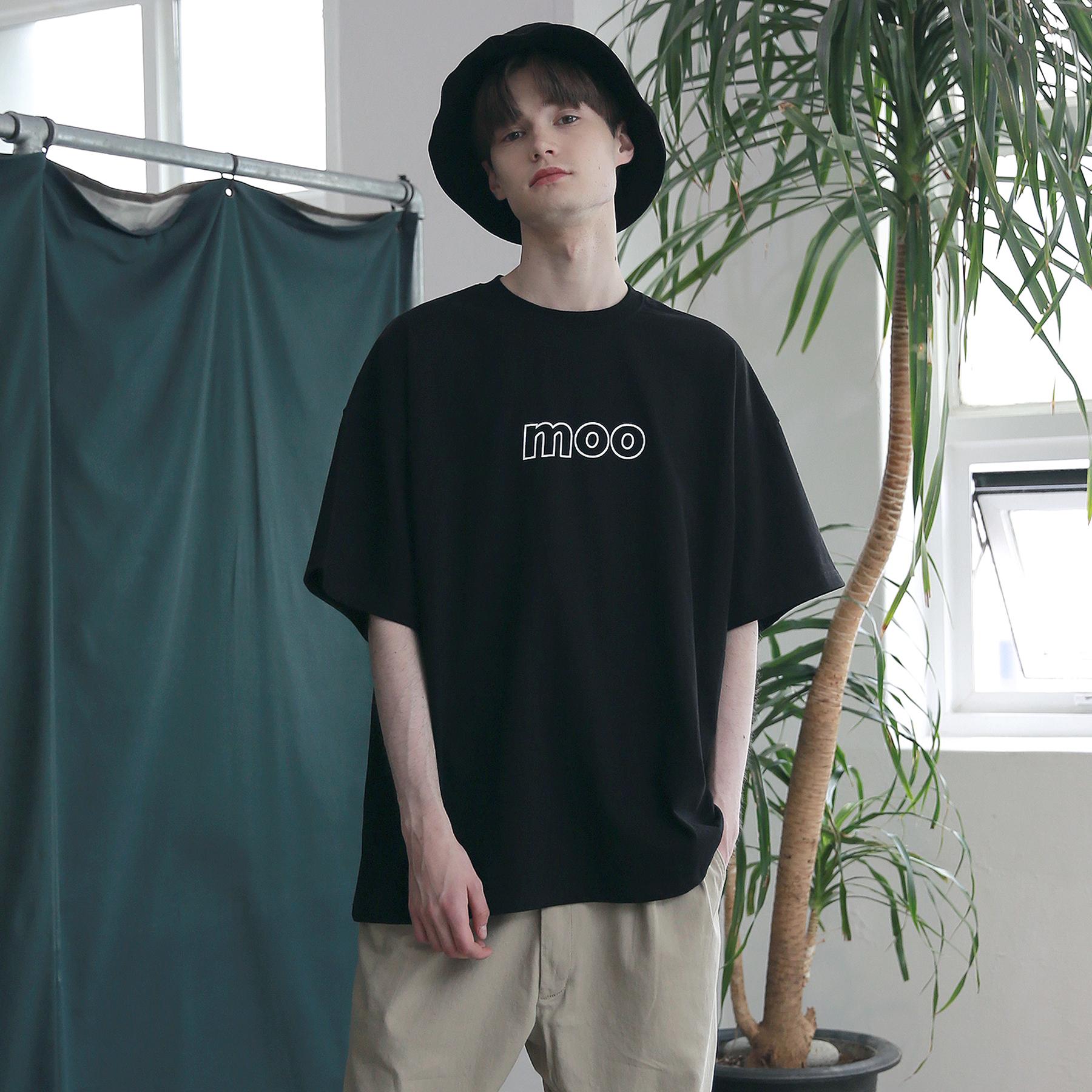 MOO 이니셜로고 오버핏 반팔티 블랙