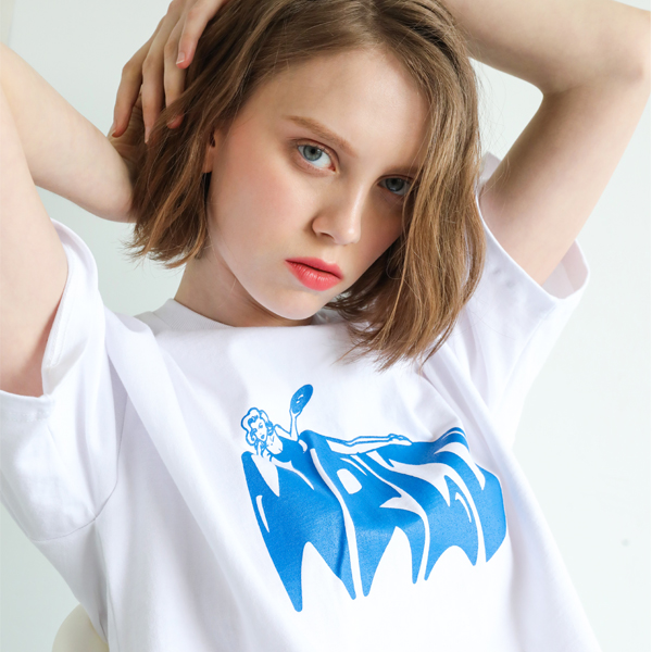 [단독할인]화이트 월드 로고 티셔츠