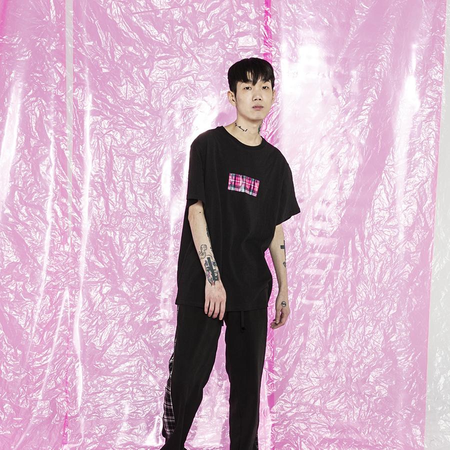 미들체크 티셔츠 블랙