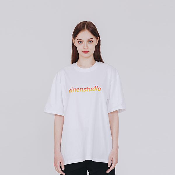 노말 로고 그라데이션 티셔츠 화이트