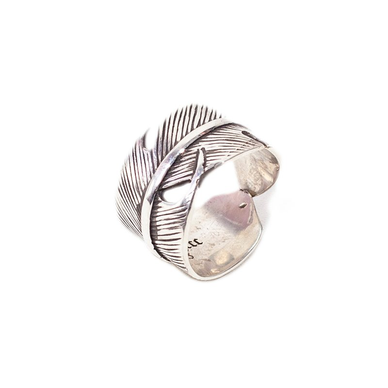 384# NATIVE AMERICAN FEATHER RING
