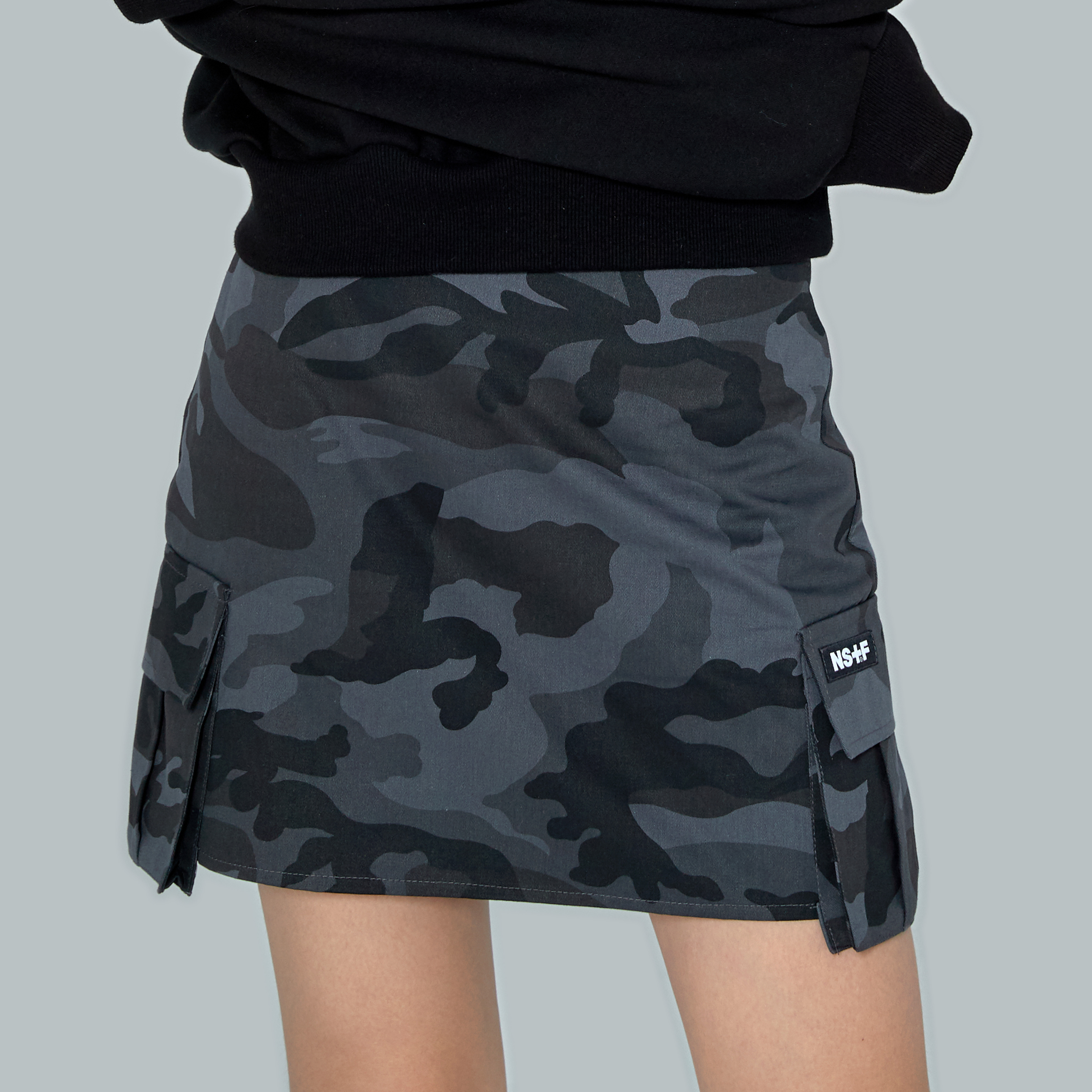 [NF] NF CAMO CARGO MINI SKIRT BLK (NF19S083H)