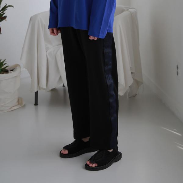 스네이크 슬림라인 와이드 트랙팬츠 C418PT007-NV