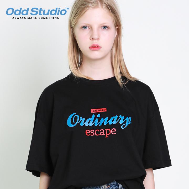 오드스튜디오 오디너리 로고 티셔츠 - BLACK