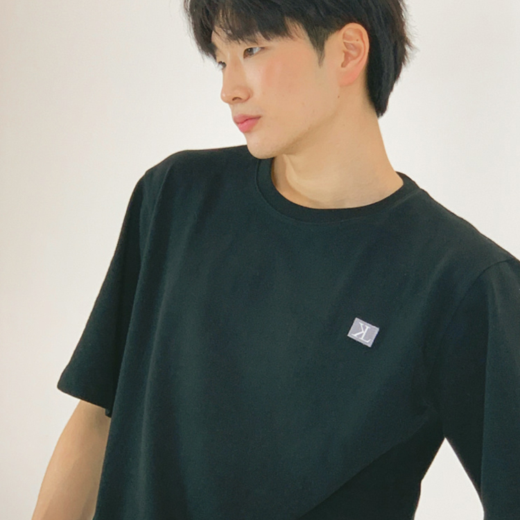 S/S MEN LOGO SIGNATURE TEE (BLACK)