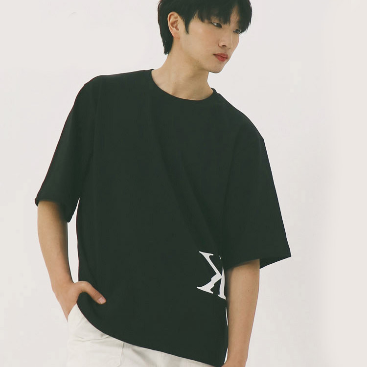 S/S MEN LOGO UNBALANCE TEE (BLACK)