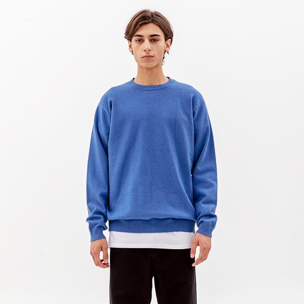 에센셜 크루넥 니트 블루