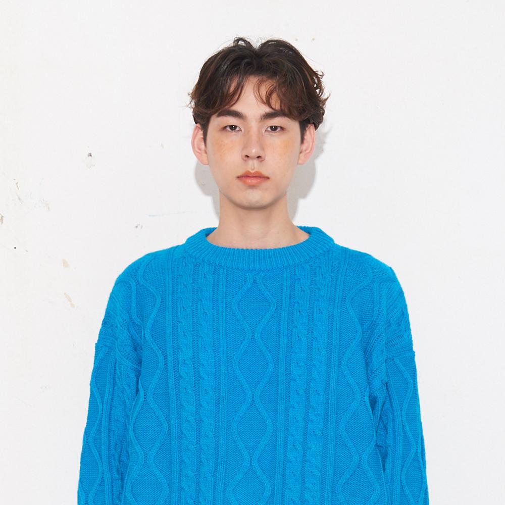 트위스트 패턴 라운드넥 스웨터_블루 FREE