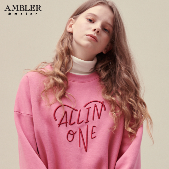 [엠블러]AMBLER 20FW 신상 자수 오버핏 맨투맨 티셔츠 AMM710-핑크