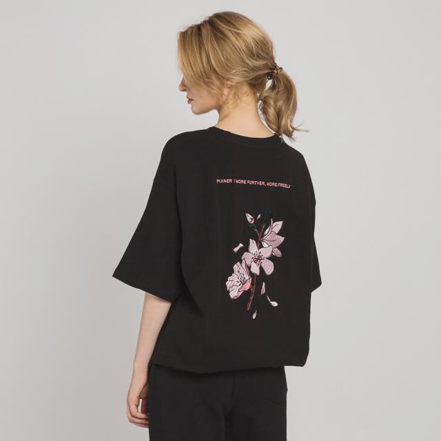 벚꽃 자수 티셔츠(BK)