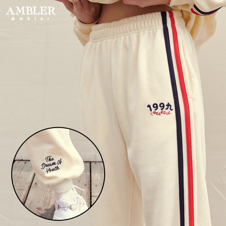 [엠블러]AMBLER 신상 기모 자수 트레이닝 팬츠 AP301-아이보리 기모