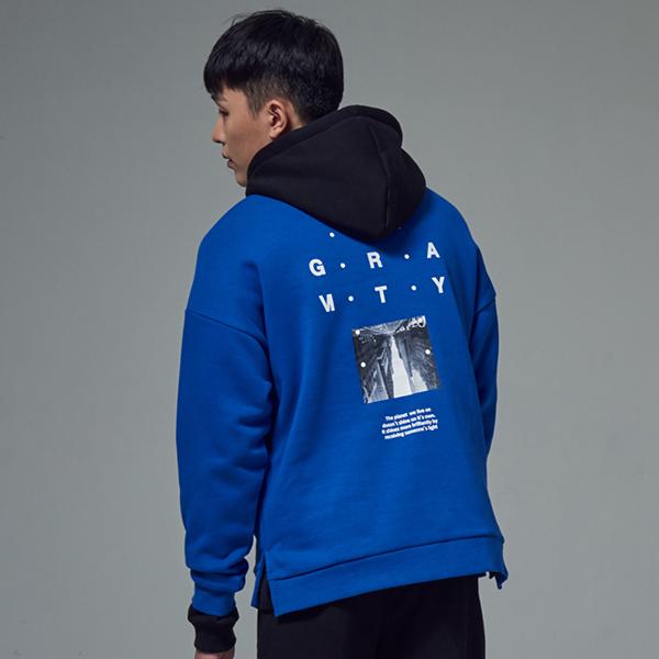 [단독할인]그라비티 포토프린트 스웨트셔츠 BLUE