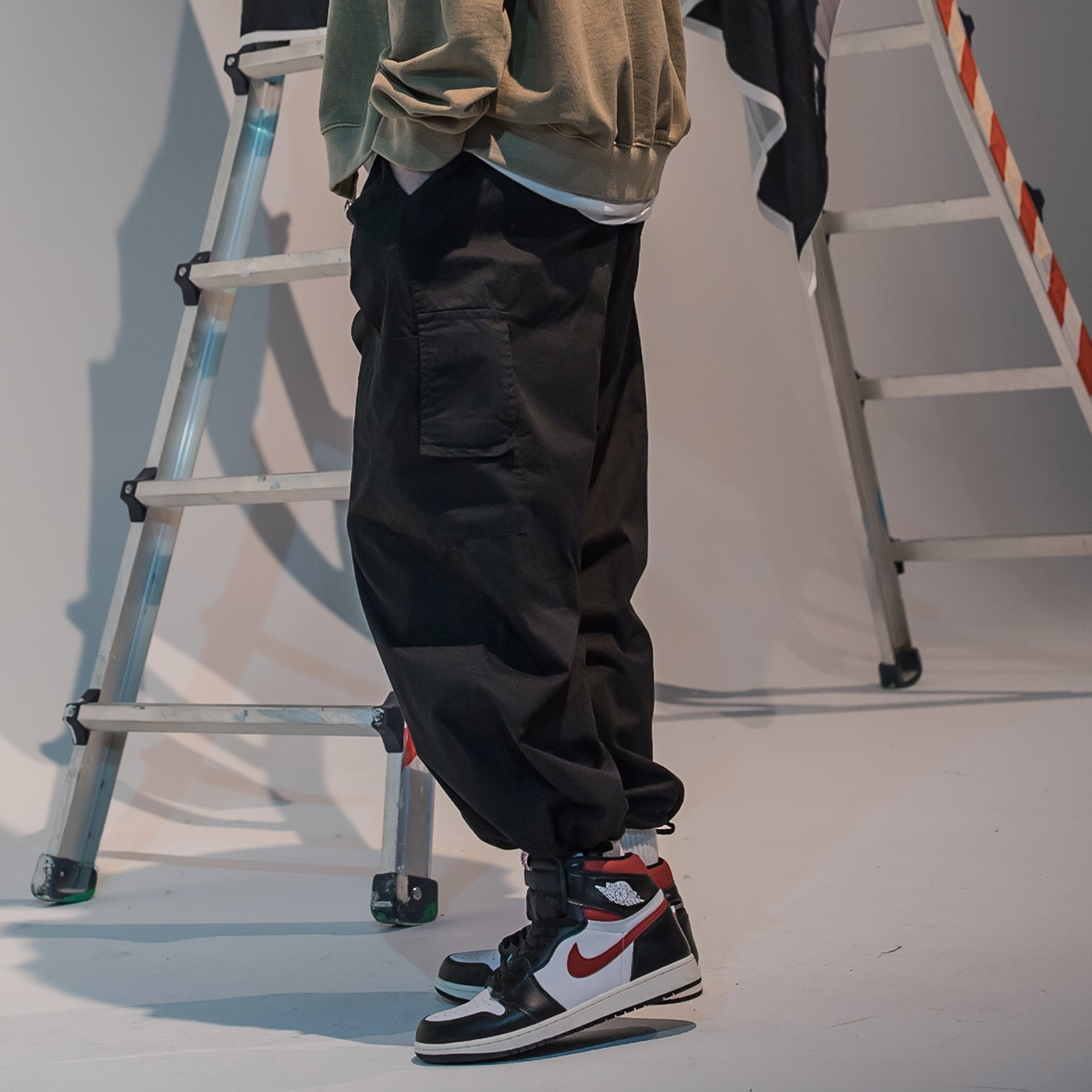 [패밀리세일]CARGO POCKET BALLOON JOGGER PANTS MFNCP003-BK