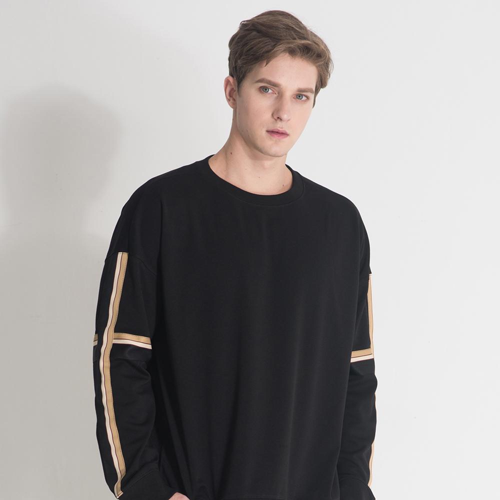 [단독할인][입점특가]블랙 크로스라인 스웨트셔츠