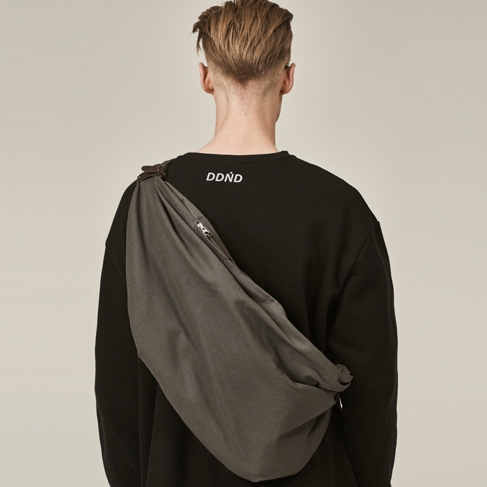 [데드엔드] CHARCOAL BUNDLE STRAP BAG