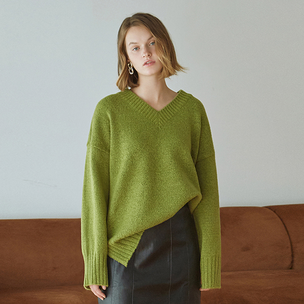 [DEANS] WIDE SLIT Y SWEATER_OLIVE