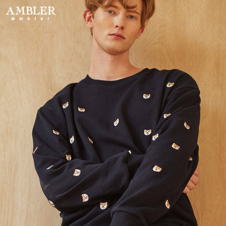 [엠블러]AMBLER 19FW 신상 자수 오버핏 맨투맨 티셔츠 AMM723-네이비 기모