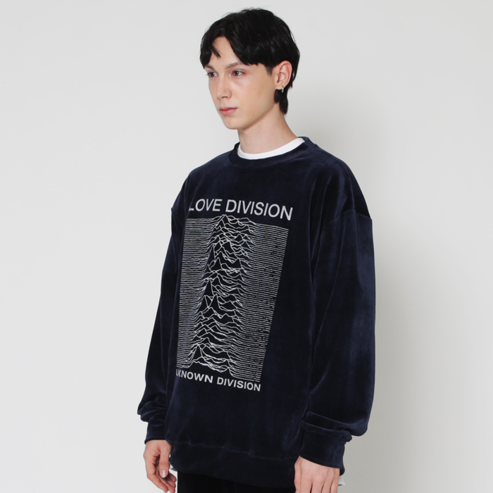 프리미엄 벨로아 LOVE DIVISION 네이비 스웨트 셔츠
