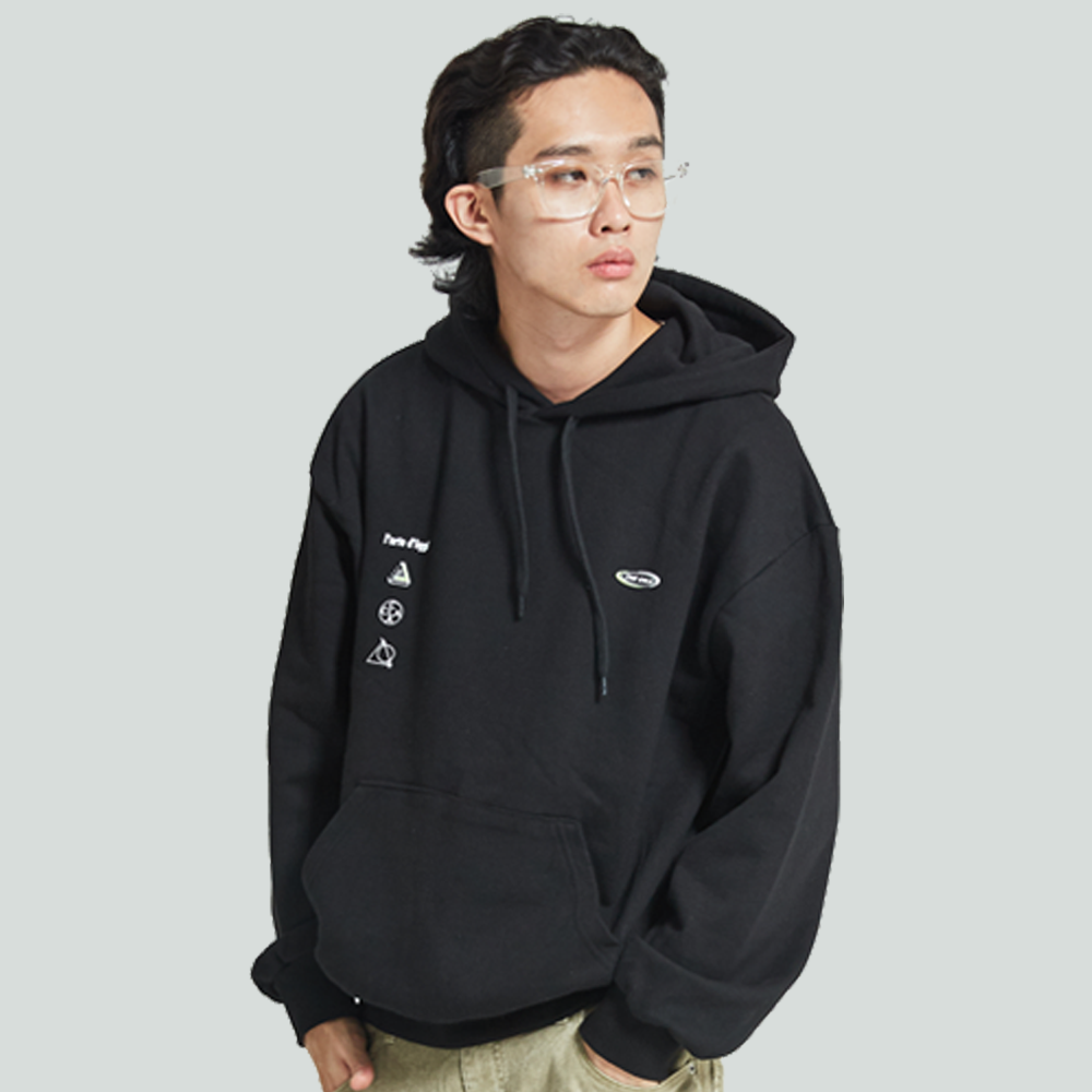 [입점특가]THE CHLIA CLA 152 - CD HOODIE BLACK