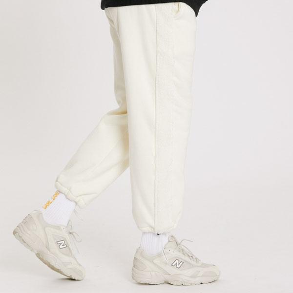 보아 후리스 9부 팬츠 흰색